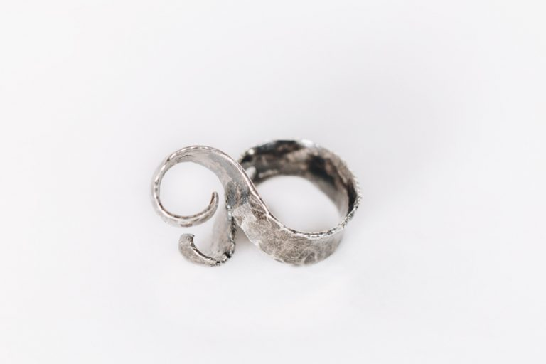 Silver Ring: Guitar Distortion no. 31